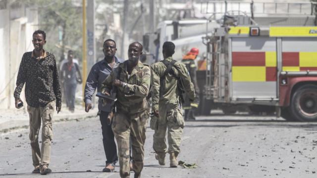 Pelo menos 18 mortos em duas explosões na Somália