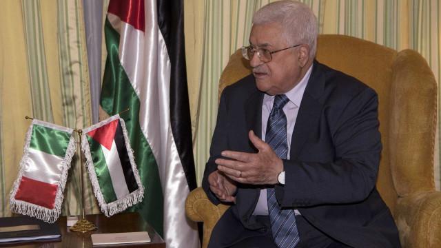 Presidente da Palestina é hospitalizado para exames de rotina