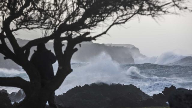 Ventos fortes afetam Açores nas próximas horas