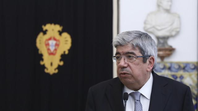 Ferro Rodrigues convoca conferência de líderes após requerimento do PSD