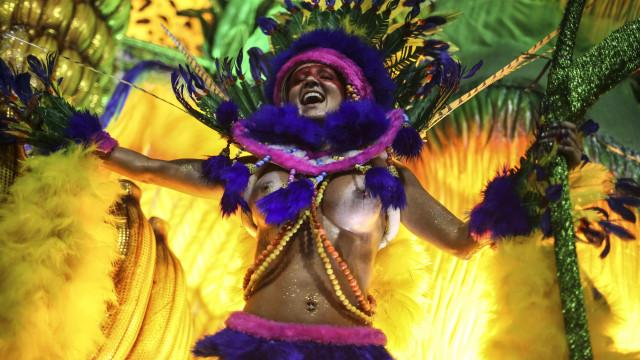 Carnaval do Rio de atrai 1,5 milhões de turistas e 875 milhões de euros