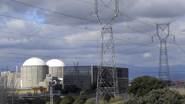Ambientalistas concentram-se em Espanha e pedem fecho da central nuclear