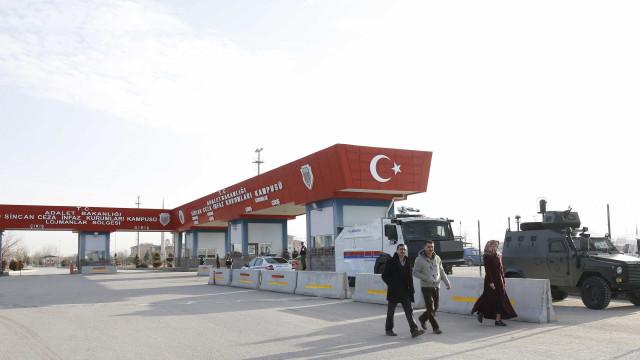 """Amnistia Internacional acusa Turquia de """"demissões arbitrárias"""""""
