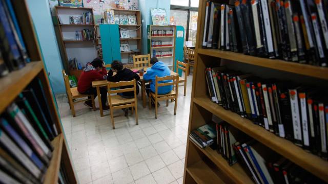 Projeto 'Conto Contigo' leva contos em português a crianças em França