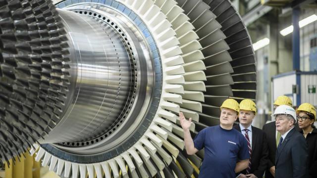 Siemens reduz atividades na Rússia após desvio de turbinas para a Crimeia