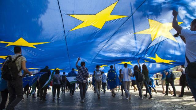 Líderes europeus reúnem-se para endossar acordo para Brexit