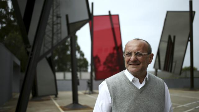 Bienal de Veneza onde José Pedro Croft mostra esculturas fecha no domingo