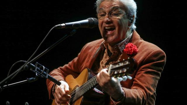 Caetano Veloso prepara espetáculo com os filhos para o outubro
