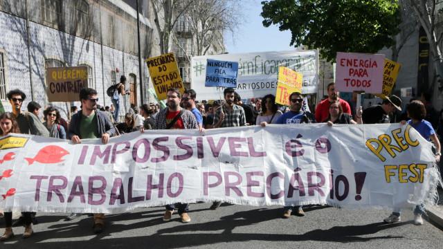 Jovens trabalhadores manifestam-se hoje em Lisboa contra precariedade