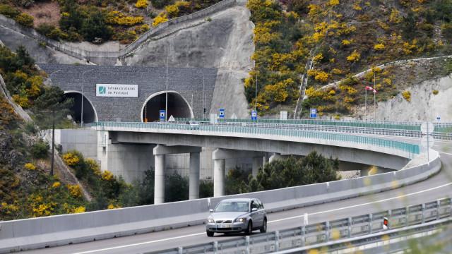 Túnel do Marão reabre ao trânsito no sentido Vila Real-Amarante