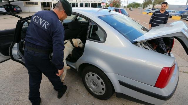 GNR deteve 99 pessoas em flagrante delito no fim de semana