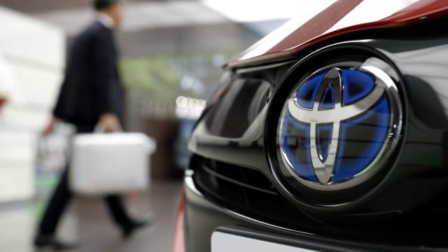 Toyota associa-se à Uber para desenvolver carros autónomos partilhados