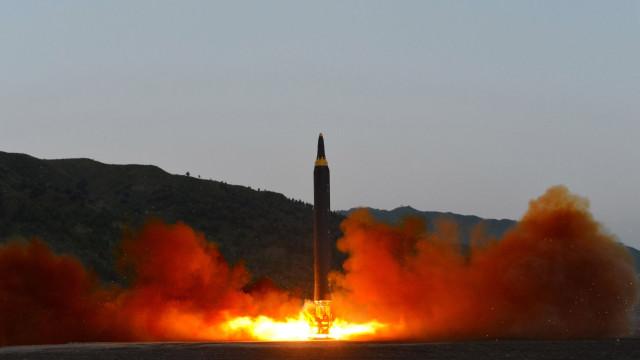 Coreia do Norte deve iniciar hoje desmantelamento de base nuclear