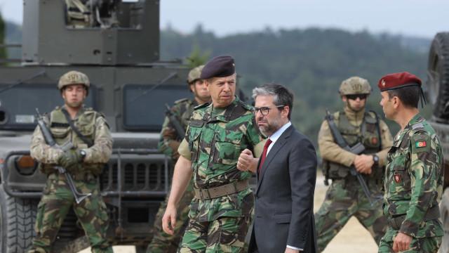 Presidente da comissão de Defesa compreende revolta mas apela à contenção