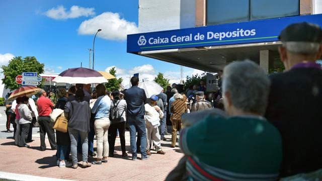 Mais de 300 agências bancárias fecharam portas este ano