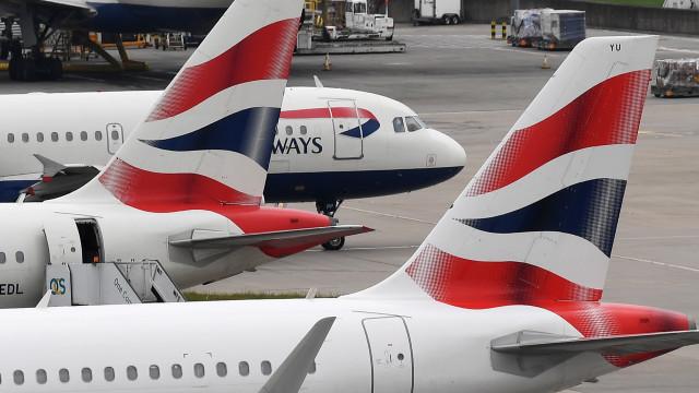 Companhias de aviação alertam para possíveis atrasos em aeroportos da UE