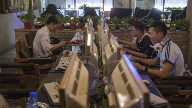 China: Regulador promete maior controlo político na Internet