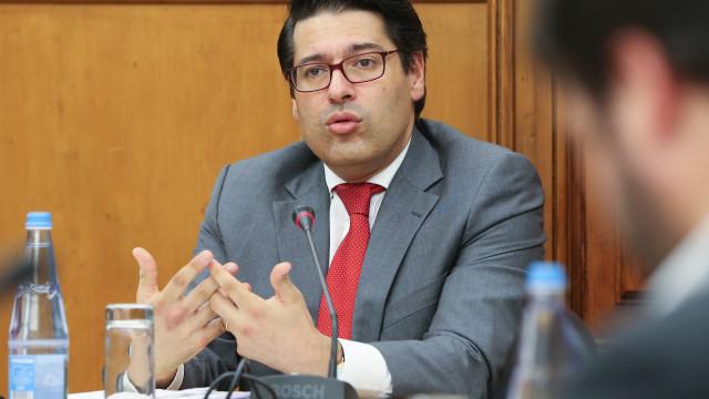 Governo assina contrato para pagamento de 145 milhões aos lesados do BES