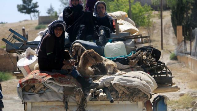 Estado Islâmico permite que três mil civis abandonem cidade de Al Raqa