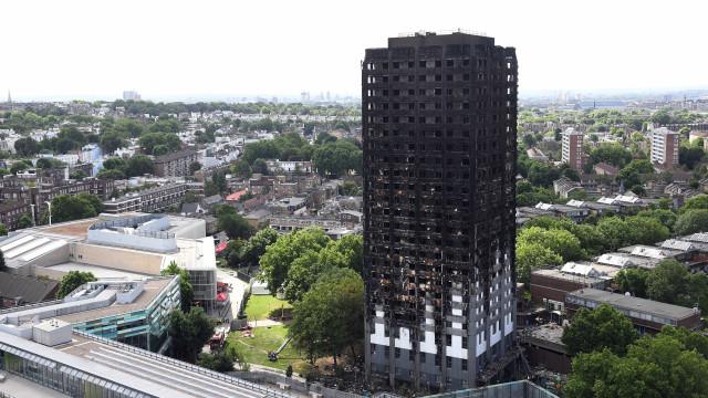 Vítimas mortais do incêndio em Londres poderão não ser identificadas