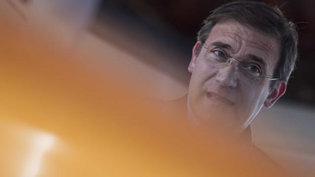 """Passos Coelho diz que Governo """"só mostrou servir para as horas boas"""""""