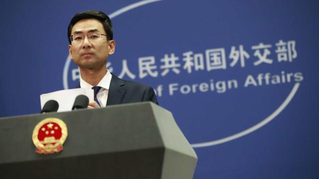 China nega tentativa de interferir nas eleições norte-americanas