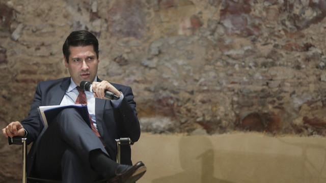 """Governo quer consequências para culpados na CGD e """"sem olhar a quem"""""""