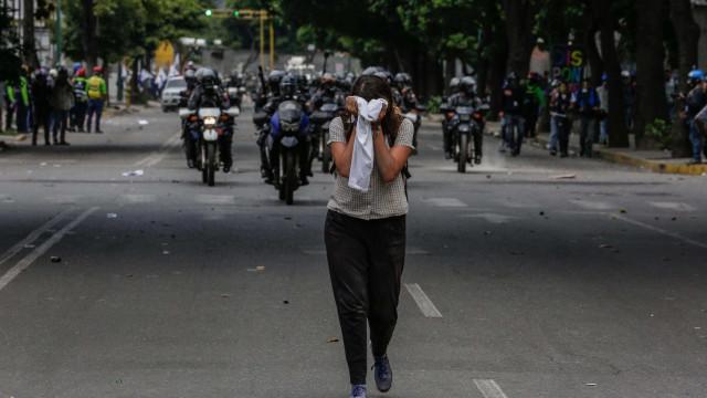 Oposição venezuelana marca greve de 48 horas