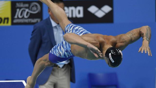 Estafeta mista de 4x100 estilos dos Estados Unidos bate recorde do mundo