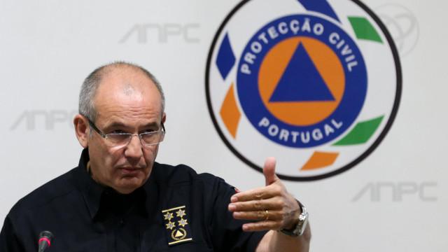 Governo pede abertura de inquérito a licenciatura do comandante da ANPC