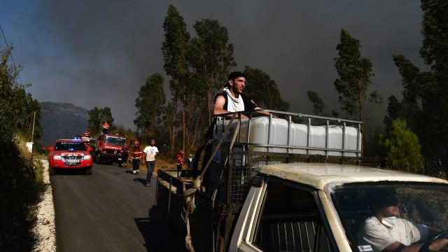 Fogo de Vila Velha de Ródão obriga à evacuação da aldeia de Riscada