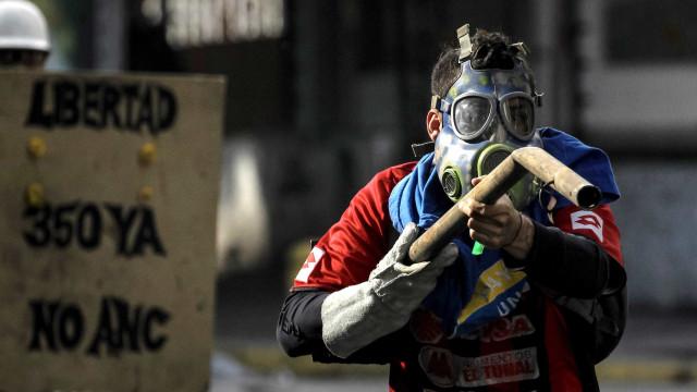 Manifestações proibidas e prisão para quem perturbe eleições na Venezuela