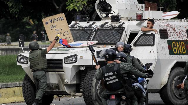 """Oposição inicia """"tomada"""" do país durante três dias em protesto"""
