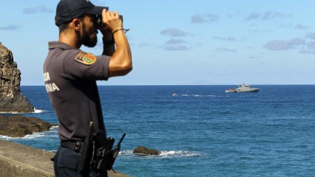 Buscas por jovem desaparecido no mar serão retomadas na segunda-feira