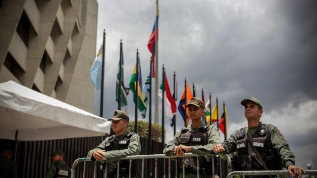 Forças de segurança cercam Ministério Público da Venezuela