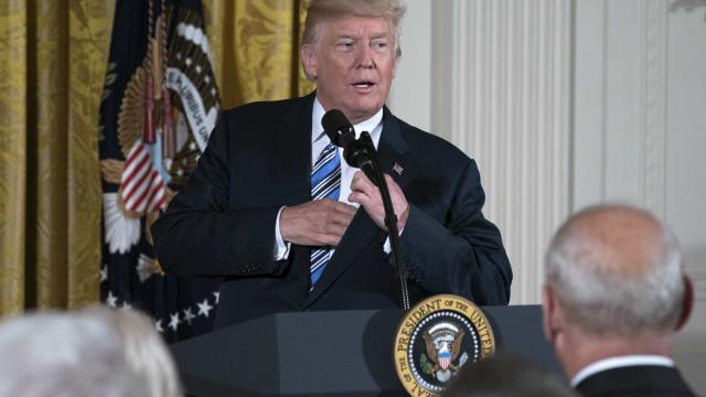 """A Casa Branca é uma """"autêntica lixeira"""""""