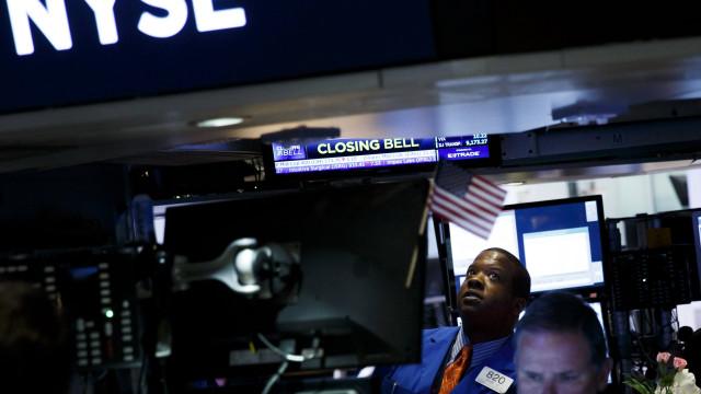 Wall Street encerra sessão com novos máximos históricos