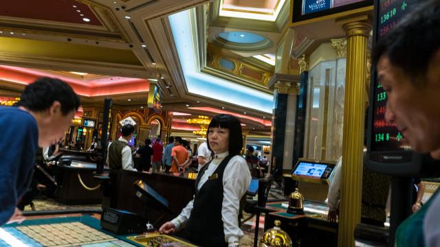 Receitas dos casinos de Macau crescem 19,1%, invertendo tendência
