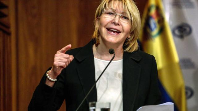 Oposição venezuelana condena destituição de procuradora