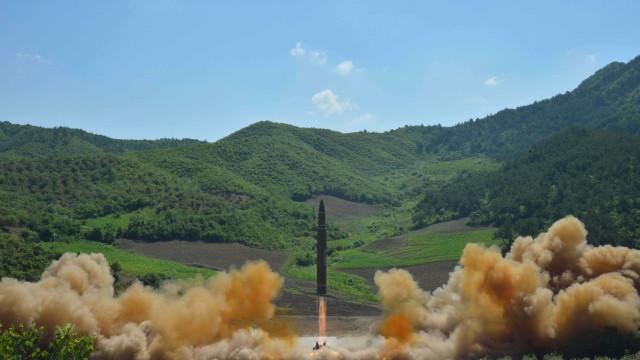 """China """"condena vigorosamente"""" novo ensaio nuclear da Coreia do Norte"""
