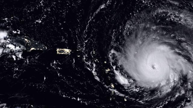 Irma deixa Barbuda totalmente devastada e parte de Saint-Martin destruída