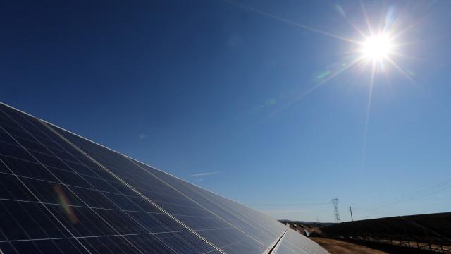 Grande central solar da Europa sem tarifas já produz em Ourique
