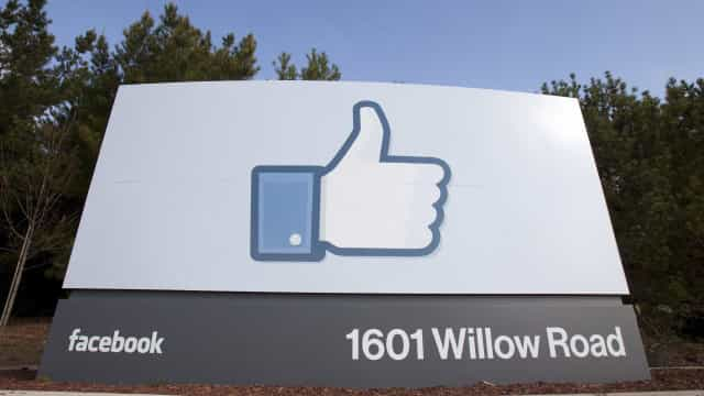 Eleições/Brasil: Facebook estreou centro de controlo de notícias falsas