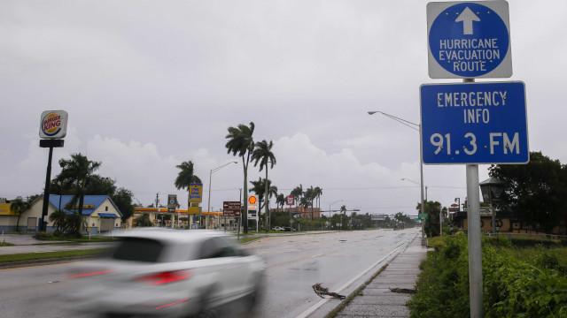 Furacão Irma está a chegar à Florida e a ganhar mais força