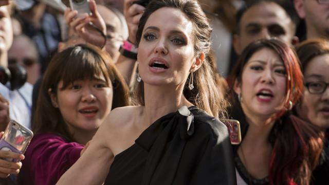 Jolie diz que violência sexual deve ser reconhecida como arma de guerra