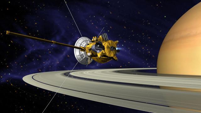 Cientistas sugerem que anéis de Saturno formaram-se depois do planeta