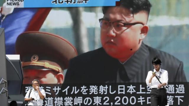 """Kim Jong-Un diz que Trump vai """"pagar caro"""" as suas ameaças"""