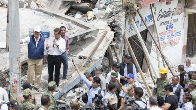 Autoridades elevam número oficial de mortos para 230 no sismo do México