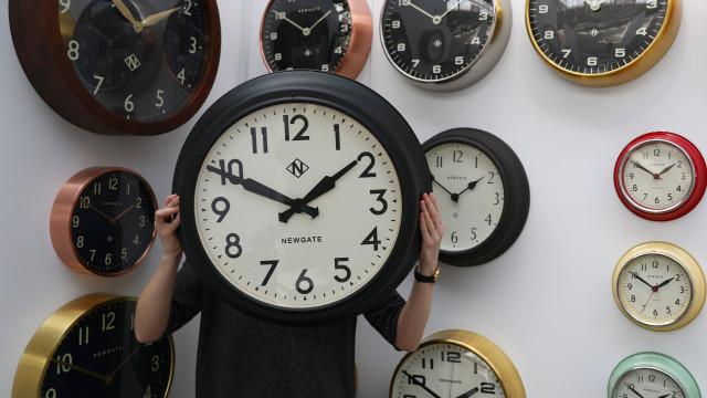 Relógios avançam uma hora em São Tomé e Príncipe a partir de janeiro