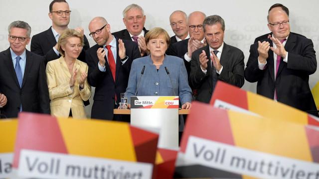 Angela Merkel admite que esperava um melhor resultado nas eleições
